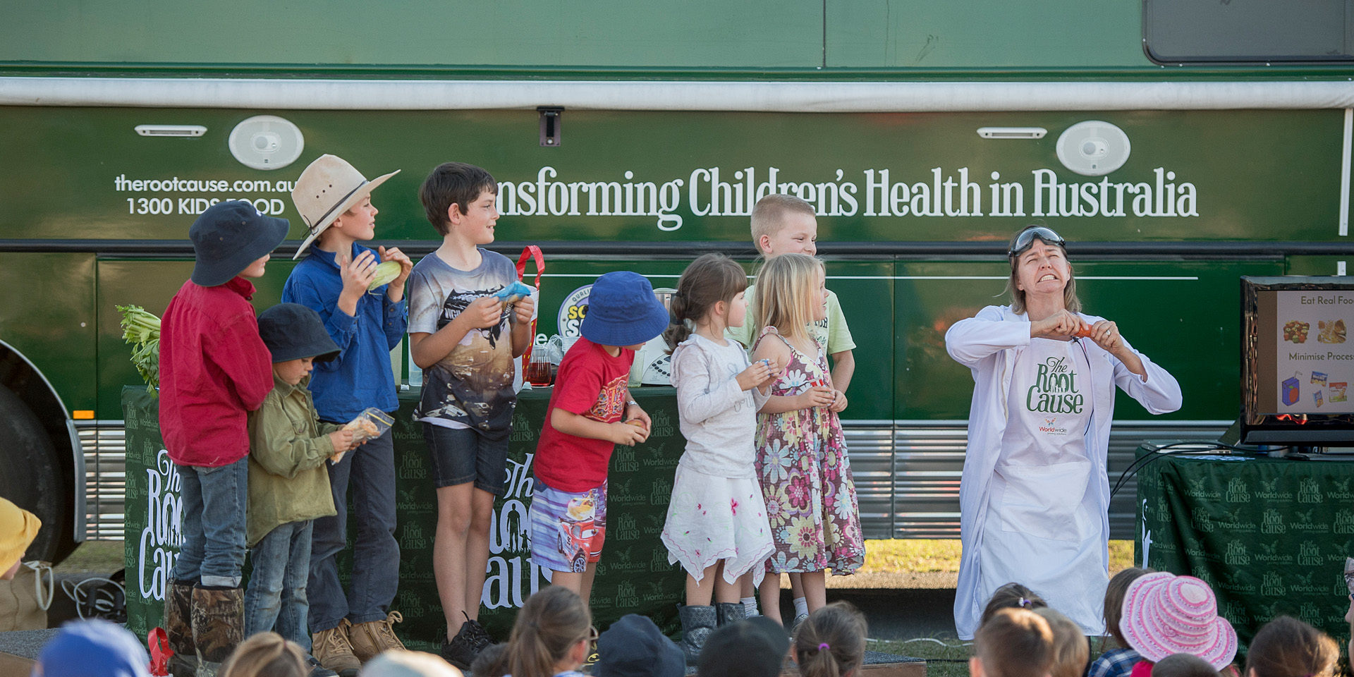 Bel Smith in action teaching children at Gympie QLD about real food vs processed food.